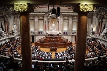 Portugal da 'luz verde' a la despenalización de la eutanasia
