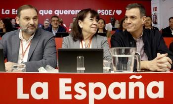 Los barones del PSOE avalan el diálogo con Cataluña