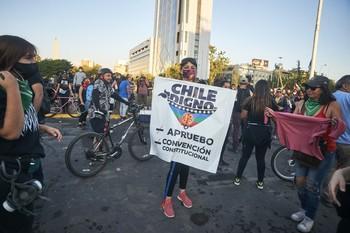 Chile aprueba por mayoría remplazar la constitución de Pinochet