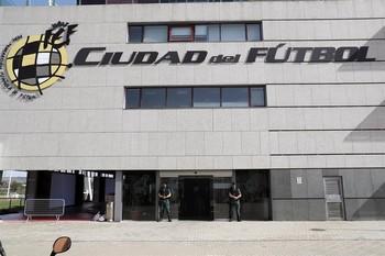 Suspendido el Sabadell-Alcorcón por 9 nuevos positivos