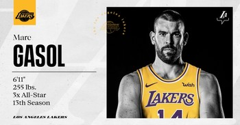 Los Lakers oficializaron el fichaje del pívot español con una imagen en sus redes sociales.