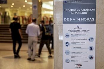 Los españoles volverán a citarse con Hacienda a partir del próximo mes de abril.