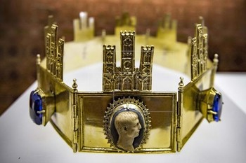 La corona toledana que ofende al nacionalismo leonés