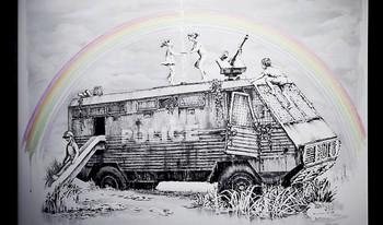 La obra 'Police Van Fountain' es una de las piezas inéditas en Madrid.