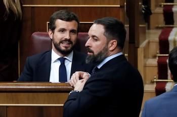 PP y Vox acusan al presidente del Gobierno de enchufismo