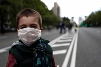 Unos 1.400 niños han dado positivo en España en coronavirus