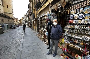 Agonía en la calle de los souvenirs