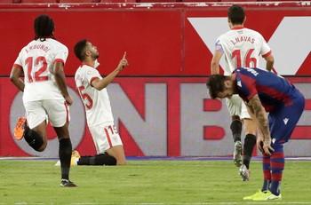 El Sevilla amarra los tres puntos en la prolongación