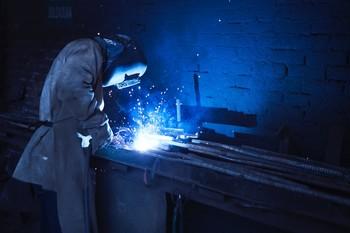 Los precios industriales agravan su caída en octubre al 4,1%