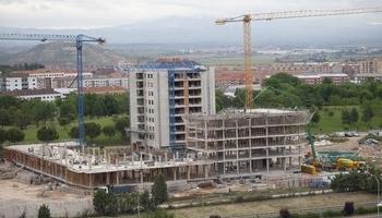 Bloques en construcción en la zona del parque de San Adrián en Logroño.