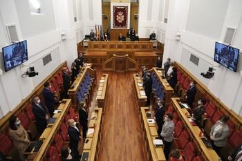 PSOE y Cs presionan al PP para que se sume al pacto