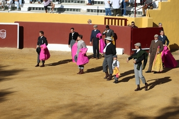 Carretero y Tendero logran el triunfo en la plaza de Robledo