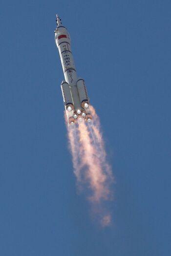 China lanza una misión para ensamblar su estación espacial