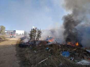 Arde un vertedero ilegal en Ciudad Real