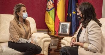 La ministra ve un «importante impulso» al tramo de Castejón