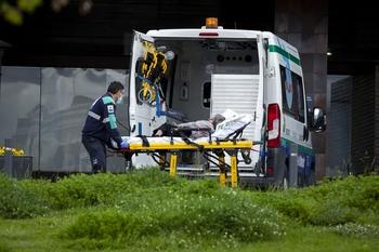 Un joven resulta herido al caer de su motocicleta