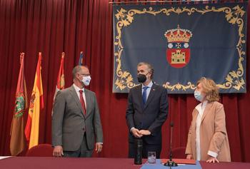 Luis Fuentes (i), entre otros, durante el acto celebrado en Burgos.