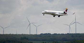 Air Nostrum programa vuelos a las islas en Navidad