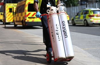 La sanidad pública británica, bajo presión