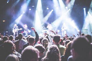 Las canciones más populares en las 'Fiestas de Pueblo'