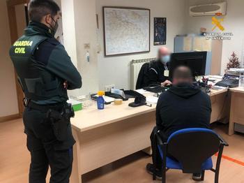 El conductor ha sido detenido por la Guardia Civil