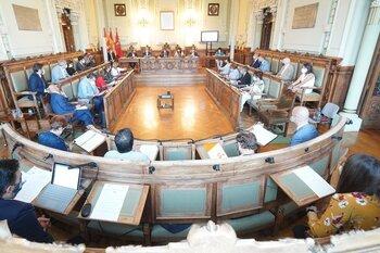 El debate del soterramiento sube la tensión del Pleno