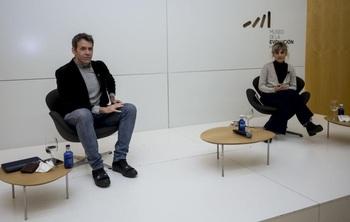 El periodista y escritor Rubén Amón estuvo en marzo en el MEH junto a la profesora Máriam Martínez Bascuñán ofreciendo una charla sobre educación de calidad.