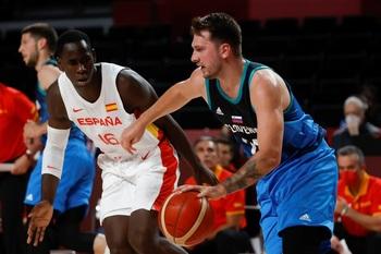 España cae ante Eslovenia y jugará contra EEUU en cuartos