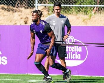 Pacheta tiene a 16 futbolistas sin alta competitiva
