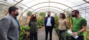 El IES San Isidro celebra su mercadillo anual de plantas