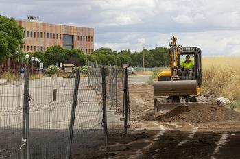 Carril-bici en las obras en los accesos a la Universidad