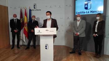 El consejero de Desarrollo Sostenible, José Luis Escudero, durante su comparecencia ante los medios en la Casa Perona.