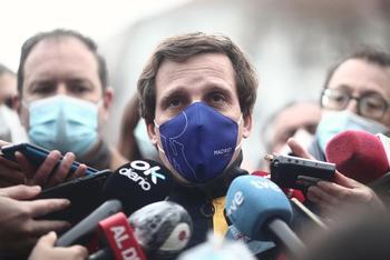 Almeida, a favor de que el JEMAD y el Gobierno se vacunen