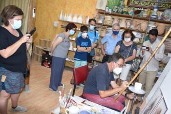 Talavera ahonda en las técnicas artesanales de su cerámica