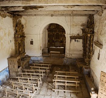 Luis Pastor hace inventario del patrimonio semiderruido