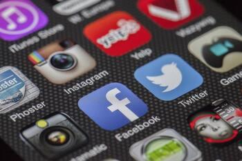 Más de la mitad de la población mundial está en redes sociales