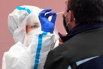 Sanidad notifica 34.291 nuevos casos y 404 muertes más