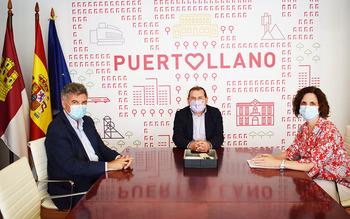 Adolfo Muñiz, Rosa Juárez y Francisco Castro mantuvieron un encuentro para tratar colaboraciones futuras