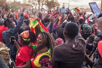 Hichilema gana las elecciones presidenciales de Zambia