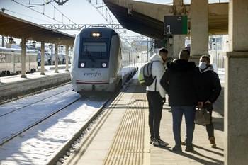 Renfe restablece los servicios con Madrid y Salamanca