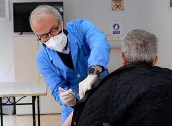 Las CCAA aceleran el ritmo de vacunación