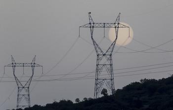 La Junta respalda el plan de Moncloa para abaratar la luz