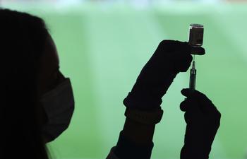 Las CCAA españolas comprarán vacunas para los países pobres