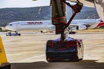 Junta y Fomento negocian la vuelta de los vuelos comerciales