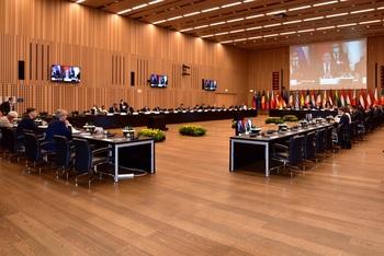 El Eurogrupo apuesta por mantener el apoyo económico