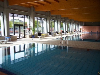 La Diputación impulsa dos proyectos IDAE en la piscina