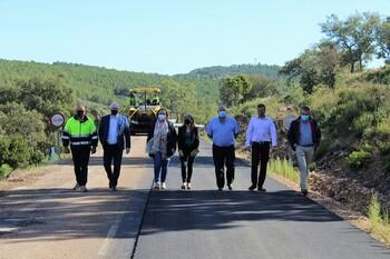 La Junta renueva el firme de un tramo entre Puebla y Arroba