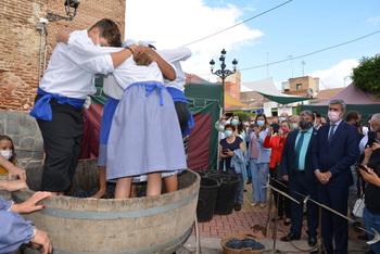 Inaugurada la Feria Medieval del Vino de Montearagón
