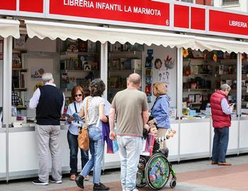 18 librerías vuelven a la plaza de España el Día del Libro
