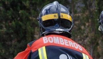 Imagen de archivo de un bombero del CEIS Rioja en una actuación